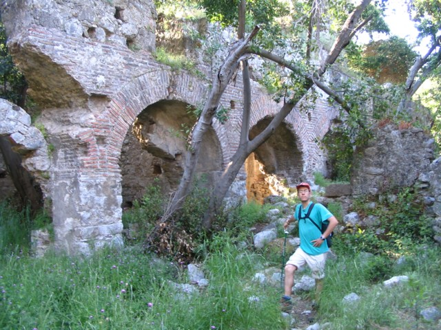 13 Les ruines des thermes d Olympe.jpg